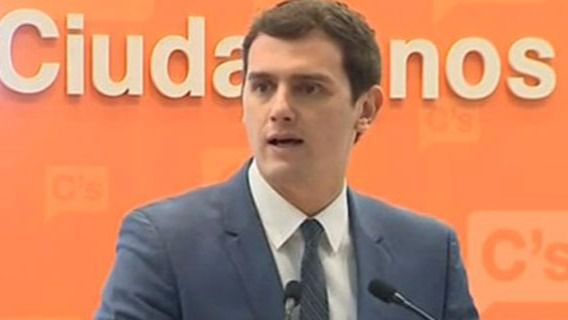 Rivera propone un pacto PP-PSOE-C's