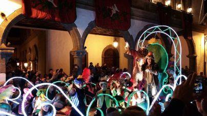 Casi 300 voluntarios acompañarán a Sus Majestades en Santa Cruz