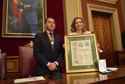 Santa Cruz concede su Medalla de Oro a la Escuela Universitaria de Turismo de Tenerife