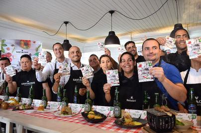 La avenida de Anaga se abre al sabor de la cocina internacional con 'Tu Tapa Mundi'