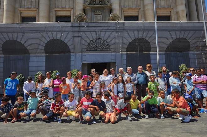 El Cabildo recibe a los niños saharauis que pasan sus vacaciones en la Isla