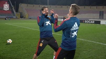 Ramos y Muniain se retan a lanzamientos de faltas