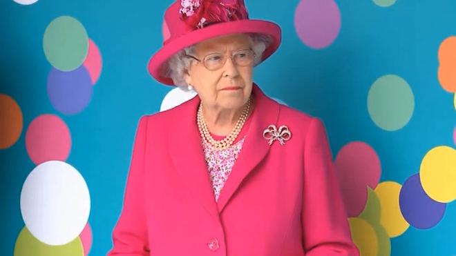 La reina Isabel II deja de conducir a los 93 años