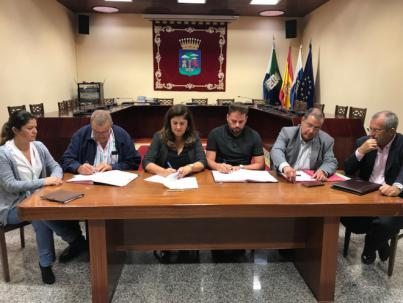 Cabildo y ayuntamientos de El Hierro rubrican el convenio de reparto de los fondos del FDCAN