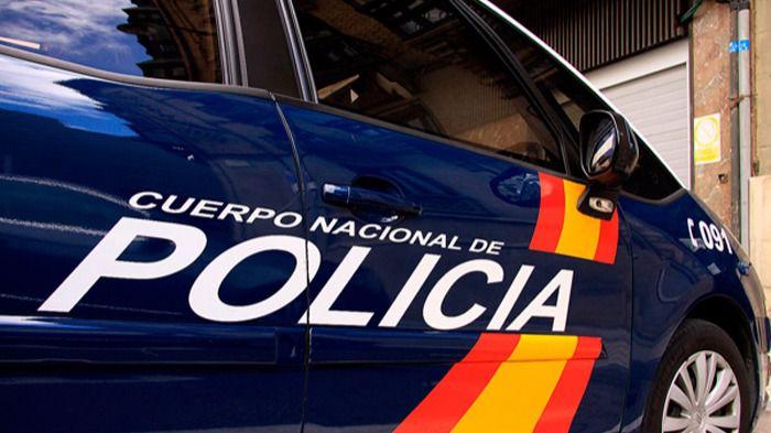 La policía detiene a un hombre tras la muerte de una mujer
