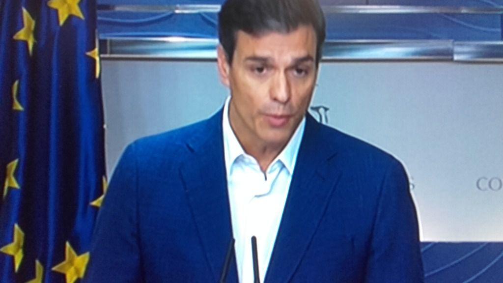 Sánchez renuncia a su acta de diputado