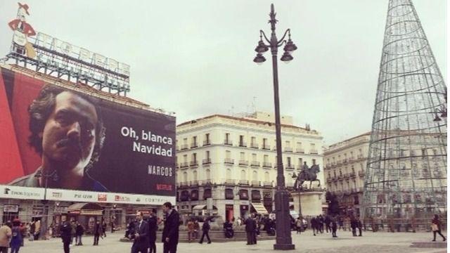 Imagen del cartel en la Puerta del Sol. Fuente: Twitter