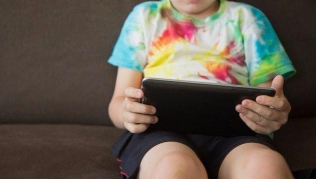 El uso de dispositivos móviles además de una vida sedentaria potencia la obesidad