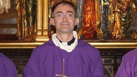 Un directivo del IBEX 35 lo deja todo y se hace sacerdote jesuita