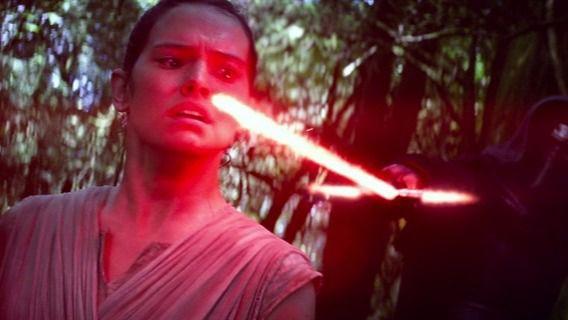 The Last Jedi está escrita y dirigida por Rian Johnson