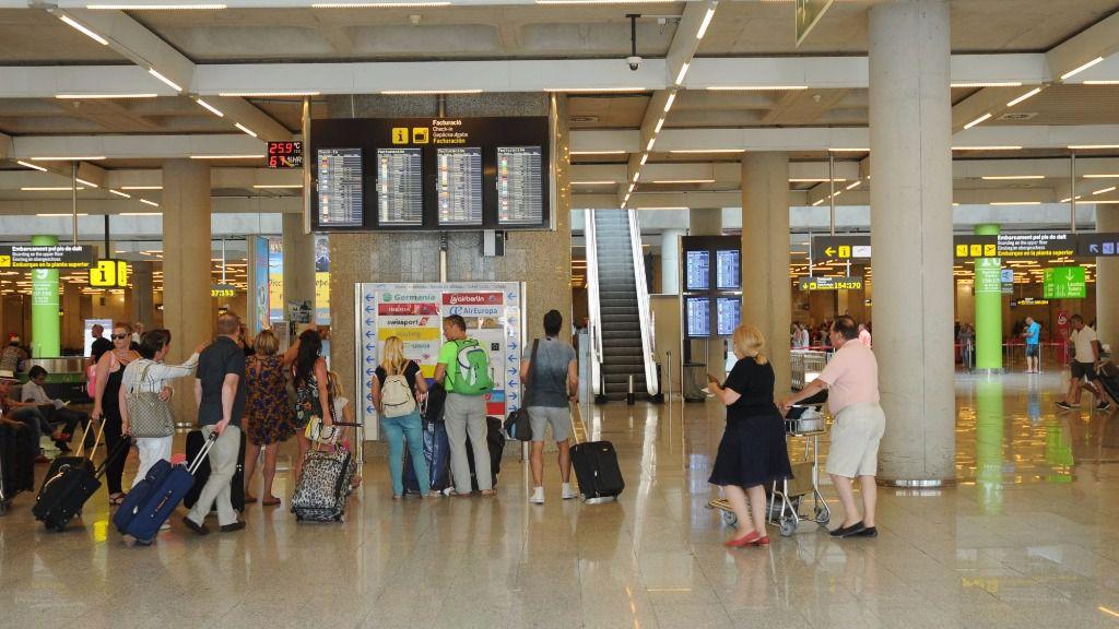 Interior del aeropuerto de Son Sant Joan