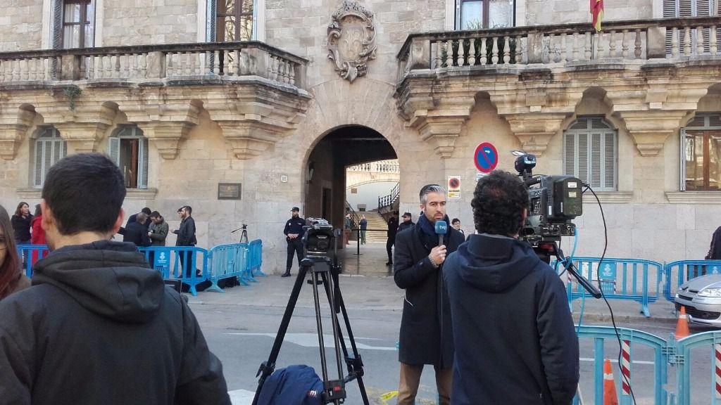 Expectación a las puertas de la Audiencia para conocer la sentencia