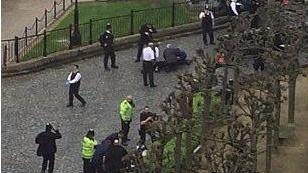 Cinco muertos y más 20 heridos en un ataque terrorista en Londres