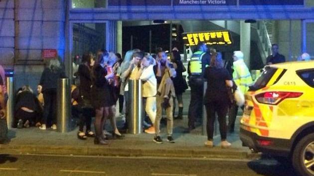 22 muertos en un atentado suicida en un concierto de Ariana Grande