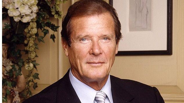 Muere Roger Moore