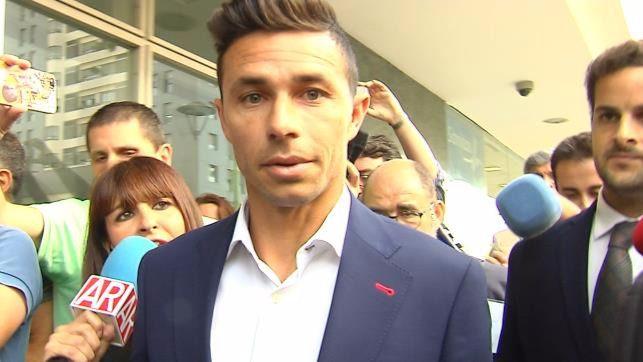 El futbolista Rubén Castro atribuye la denuncia de su novia a