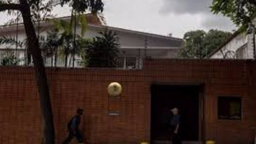 Ataque con cócteles molotov a la embajada española en Venezuela