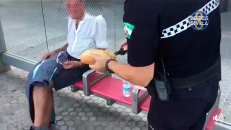 La curiosa ayuda de un policía a un indigente desfallecido que triunfa