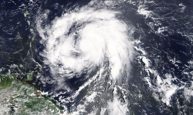 El huracán Maria destroza la isla de Dominica