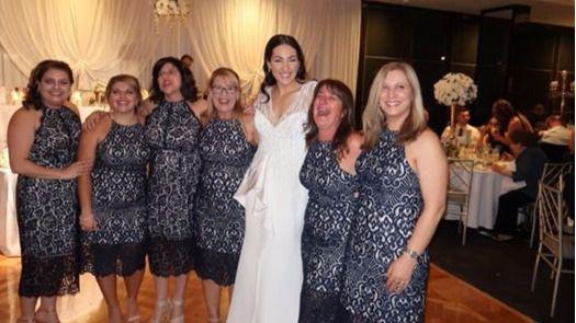 La peor pesadilla de toda invitada a una boda: seis con el mismo vestido