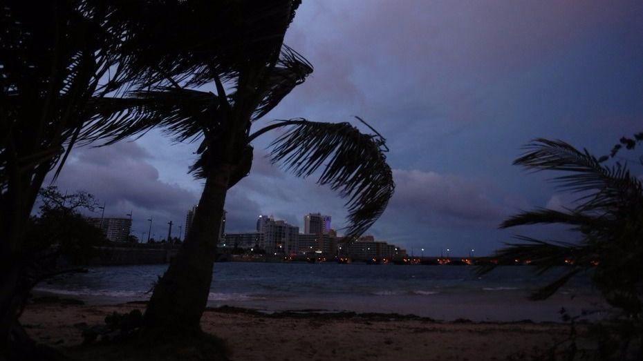 María toca tierra en Puerto Rico como huracán de categoría 4