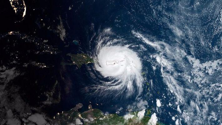 El gobernador de Puerto Rico dice que 'pueden estar sin luz durante meses' por María