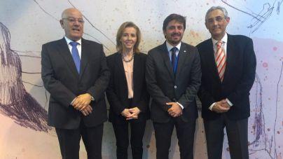 Antonio Hormiga (Asofuer), Susana Pérez (Asolan), Jorge Marichal (Ashotel) y Fernando Fraile (FEHT)
