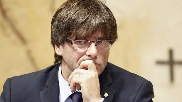 Puigdemont decide no ir al Senado y el Parlament vota el viernes responder al 155