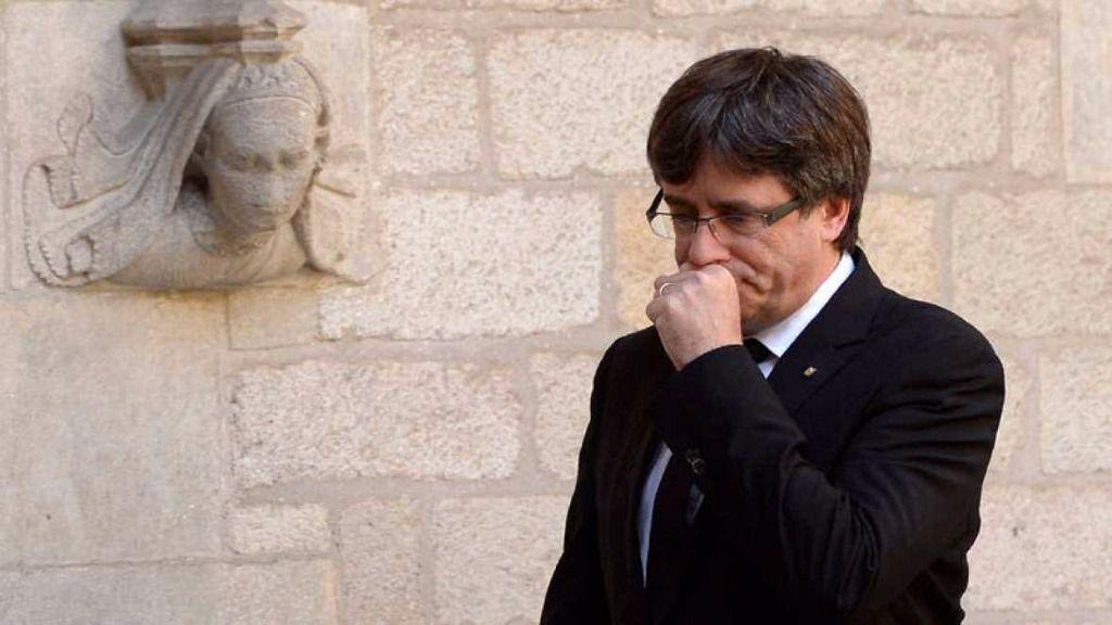 Gran presión a Puigdemont que suspende la rueda de prensa para avanzar elecciones