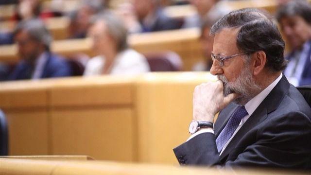 Rajoy pide tranquilidad tras declararse la independencia: 'Se restaurará la ley en Cataluña'