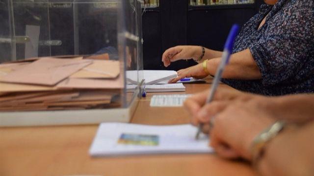 Los partidos catalanes tienen tres semanas para organizar coaliciones electorales