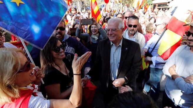 Borrell pide votar el 21-D para 'volver a la normalidad'