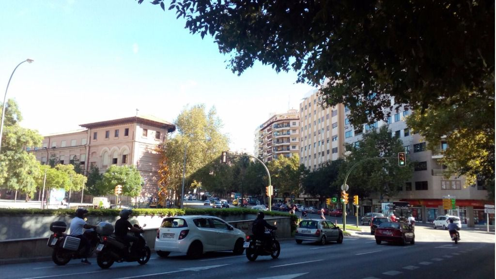 El 54 por ciento de los españoles quieren restringir los coches en el centro de ciudades