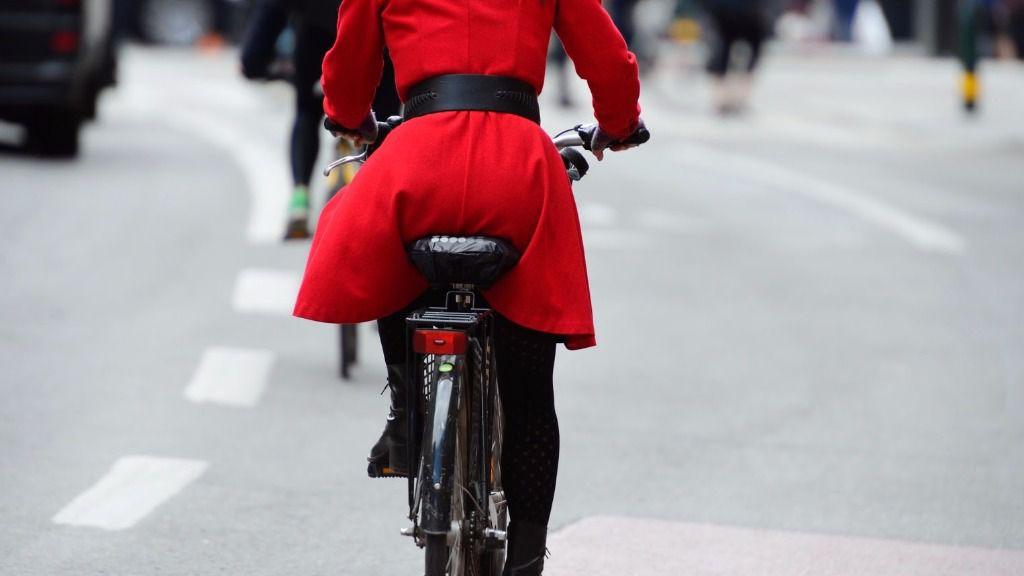 El 41% de los españoles cree que desplazarse en bici es peligroso