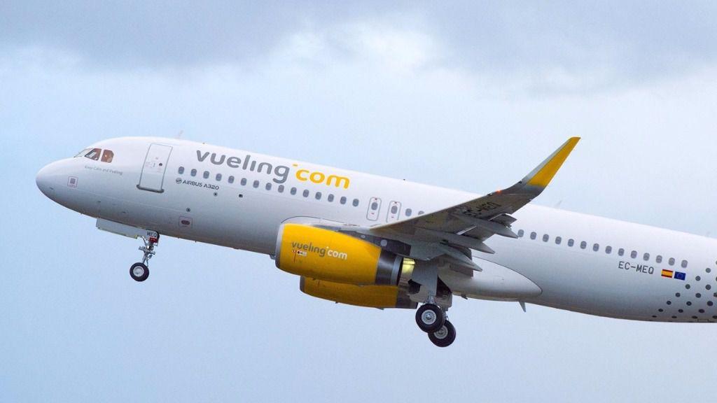 Vueling investiga el incidente de dos pasajeras que denunciaron ser expulsadas por hablar catalán