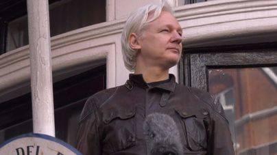 Assange se juega el asilo por apoyar la independencia de Cataluña