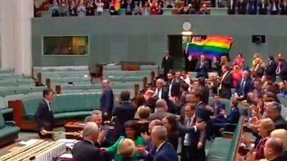 Júbilo en el Parlamento australiano por la aprobación del matrimonio gay