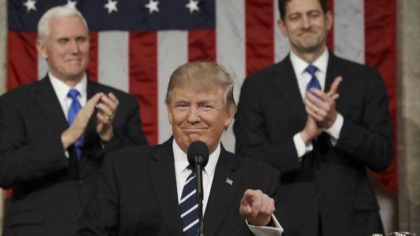Donald Trump critica a los inmigrantes de 'los países de mierda'