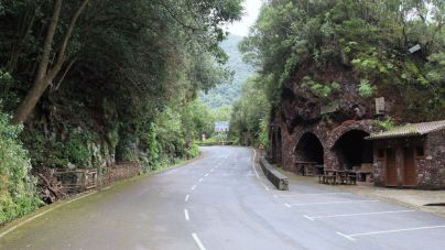 Cerrada la carretera de Las Mimbreras por riesgo de incendios