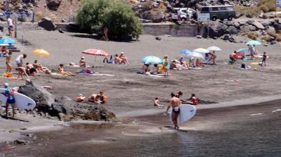Casi un centenar de personas sufren un accidente acuático en Canarias hasta julio