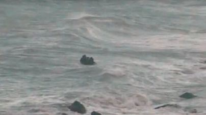 Arriesgado rescate de la Guardia Civil al salvar un grupo de subsaharianos en plena tormenta