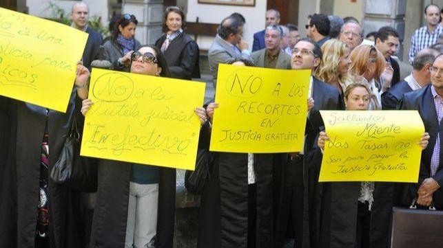 Jueces y fiscales convocan una huelga el 22 de mayo y cuatro paros antes