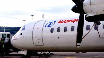 Air Europa gana el concurso de 9,9 millones para deportar a sin papeles