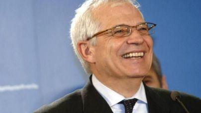 Borrell acepta la oferta de Pedro Sánchez y será ministro de Exteriores