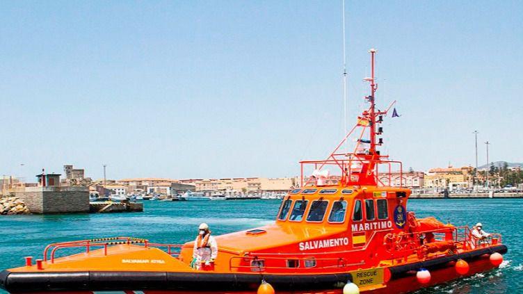 Rescatados 130 inmigrantes de 12 pateras en aguas del Estrecho