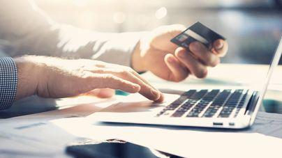 Agencias de viajes y transporte aéreo lideran el comercio electrónico de fianles de 2017