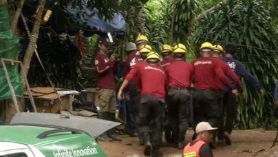 Tras otros tres, ya son ocho los niños rescatados en Tailandia