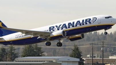 Pilotos y auxiliares de vuelo de Ryanair harán huelga en Alemania