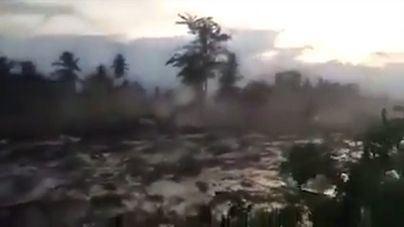 Ascienden a 1.558 los muertos por el terremoto y el tsunami en Indonesia
