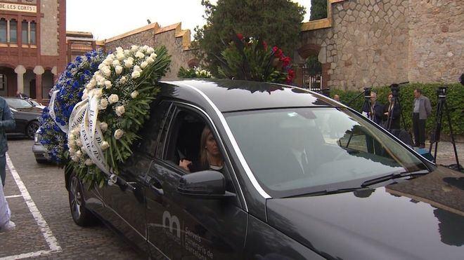 Centenares de familiares y amigos despiden a Montserrat Caballé